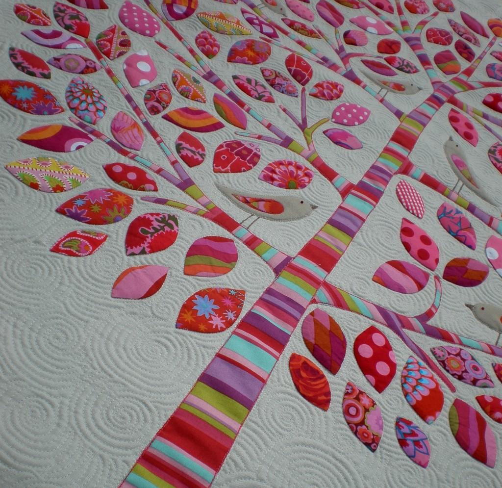 Вышивка на ткани для пэчворка 23