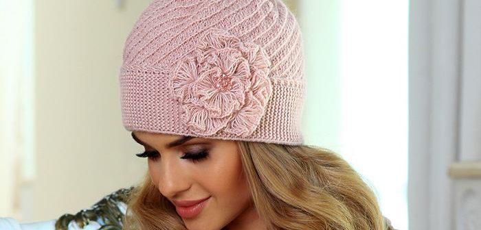 как связать красивую женскую шапку модная женская шапка спицами