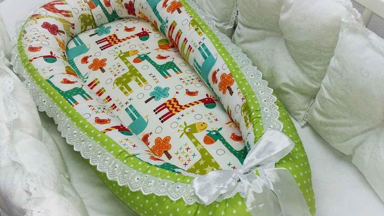 В такой кроватке малышу будет комфортнее спать и засыпать он будет лучше, так как чувствует рядом опору (в коконе теплее и уютнее).