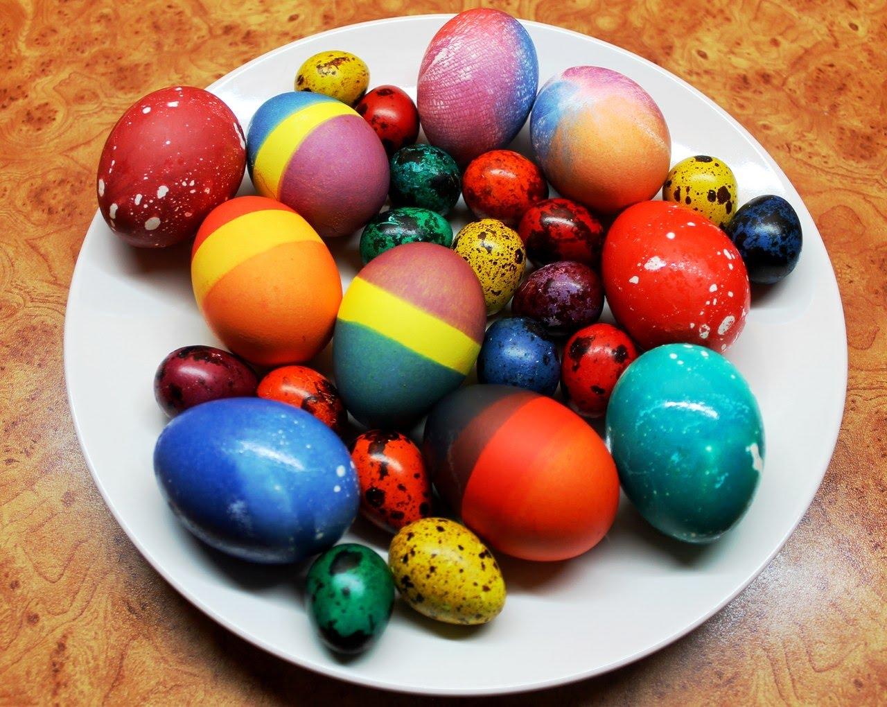 проживаю окраска яиц на пасху фото шагиева