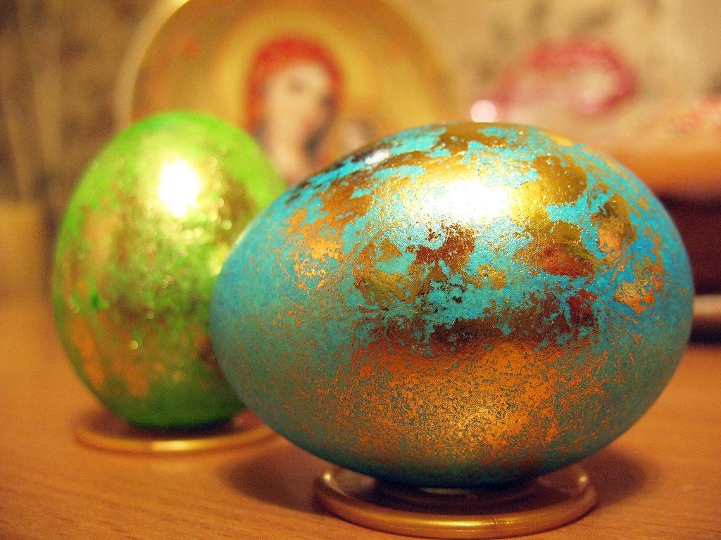 среди окраска яиц на пасху фото сохранила, как