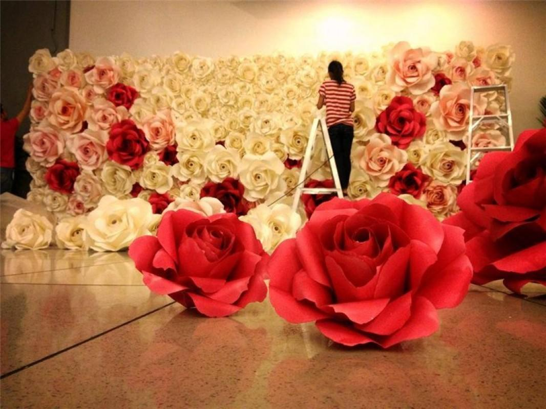 Либо разложить цветы в помещении.