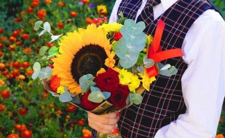Как завернуть букет треугольником, прикольные интернет магазины цветов в украине