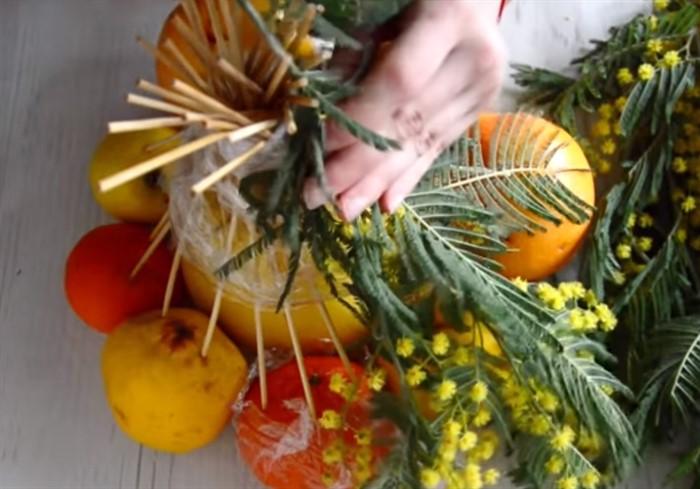 1-141 Букет из конфет своими руками в мастер-классе с фото. Как сделать цветы из конфет самому