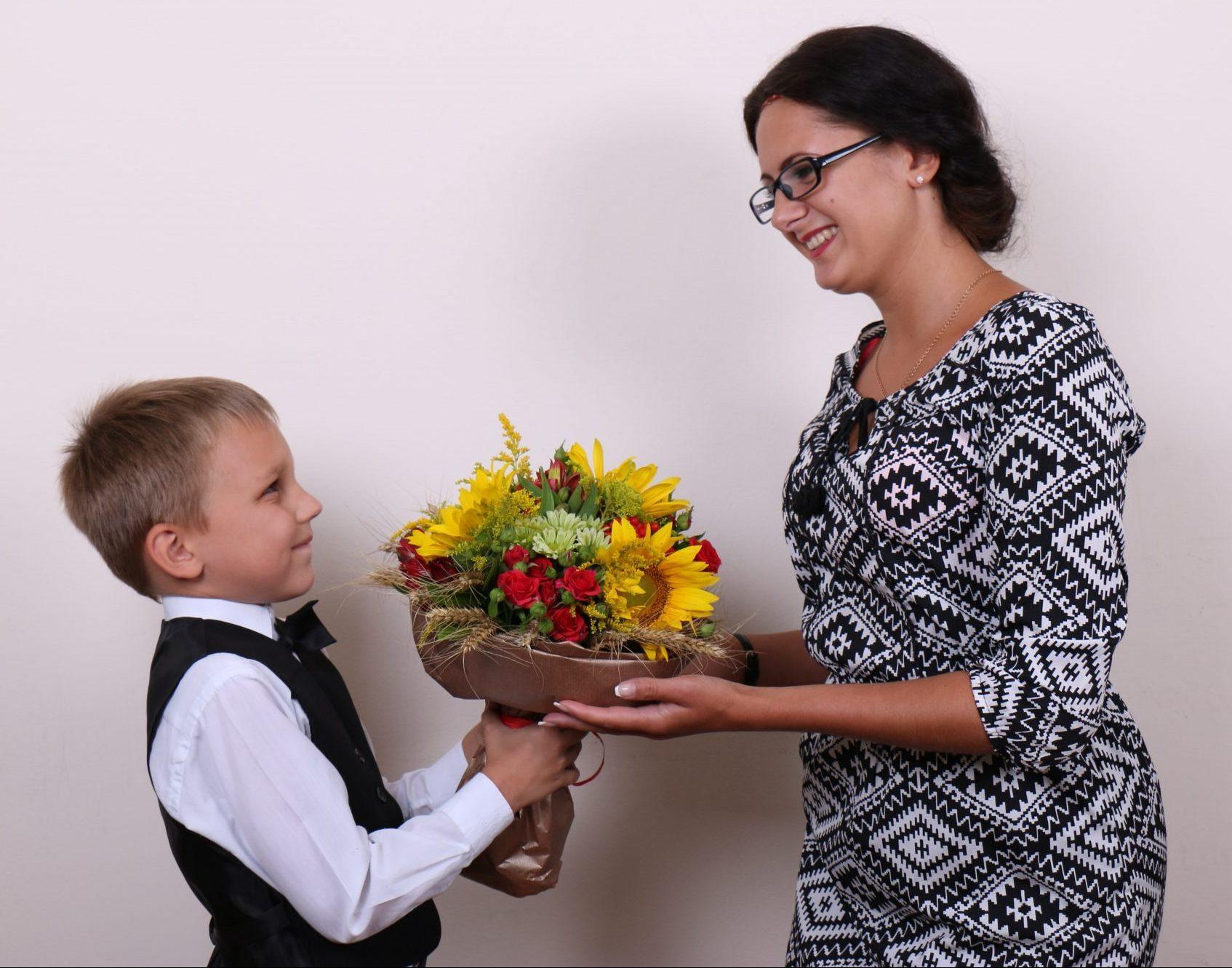 Поздравление учителя с днём рождения в классе фото 414