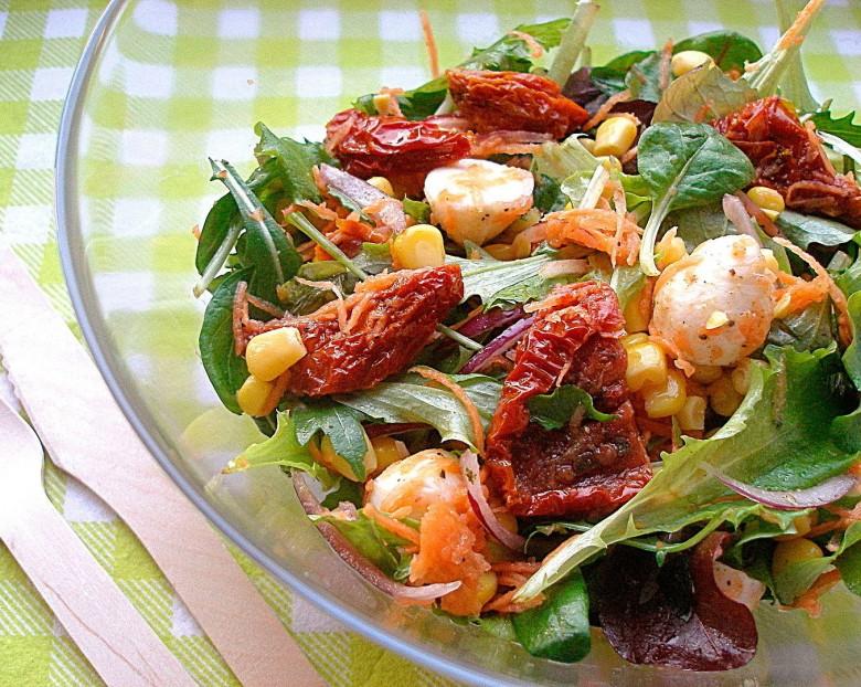 salat-s-vyalenimi-pomidorami