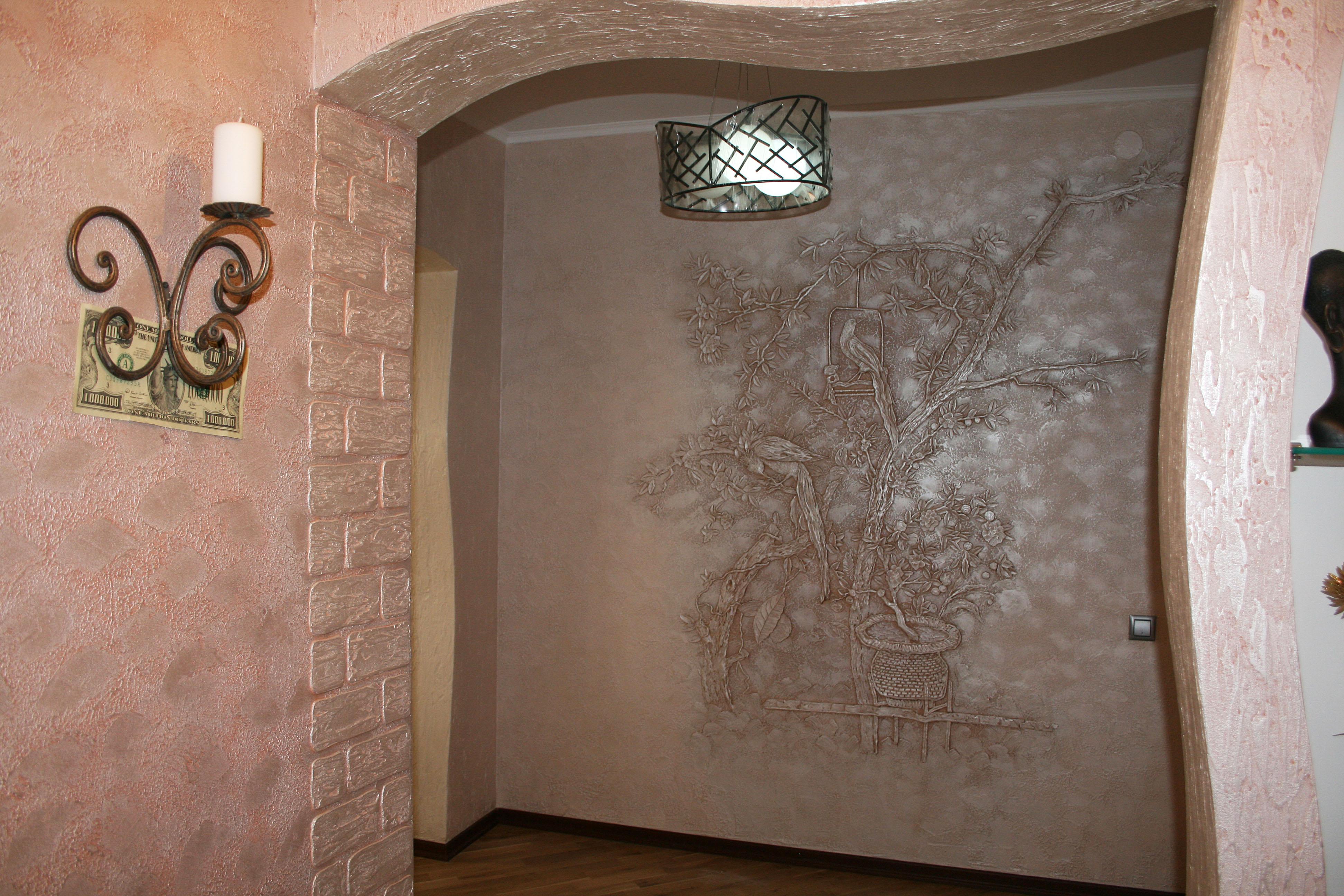 как оформить стену декоративной штукатуркой фото что