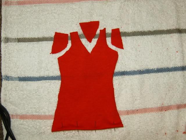 shem-futbolku-dlya-kukly-4 Как сделать легко кукле одежду. Как сделать одежду для кукол своими руками, для Барби, для монстр Хай, для Лол