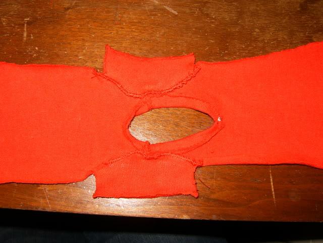 shem-futbolku-dlya-kukly-6 Как сделать легко кукле одежду. Как сделать одежду для кукол своими руками, для Барби, для монстр Хай, для Лол