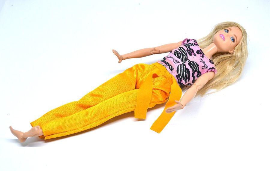v4-900px-make-clothes-for-your-doll-step-19 Как сделать легко кукле одежду. Как сделать одежду для кукол своими руками, для Барби, для монстр Хай, для Лол
