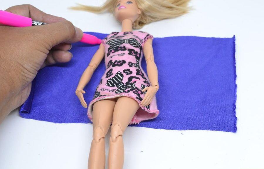 v4-900px-make-clothes-for-your-doll-step-2-version-2 Как сделать легко кукле одежду. Как сделать одежду для кукол своими руками, для Барби, для монстр Хай, для Лол