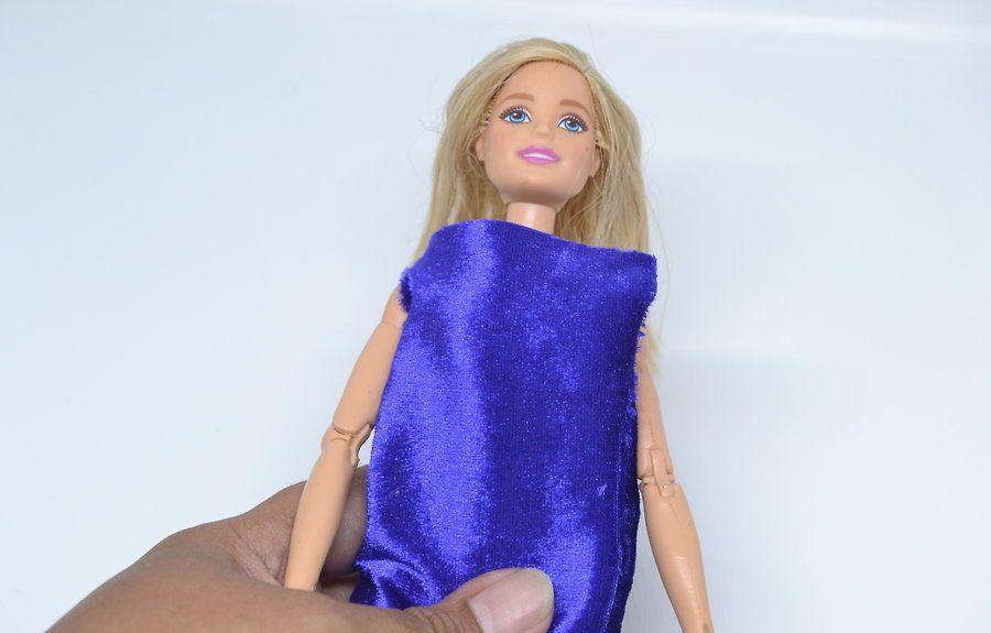v4-900px-make-clothes-for-your-doll-step-5-version-2 Как сделать легко кукле одежду. Как сделать одежду для кукол своими руками, для Барби, для монстр Хай, для Лол