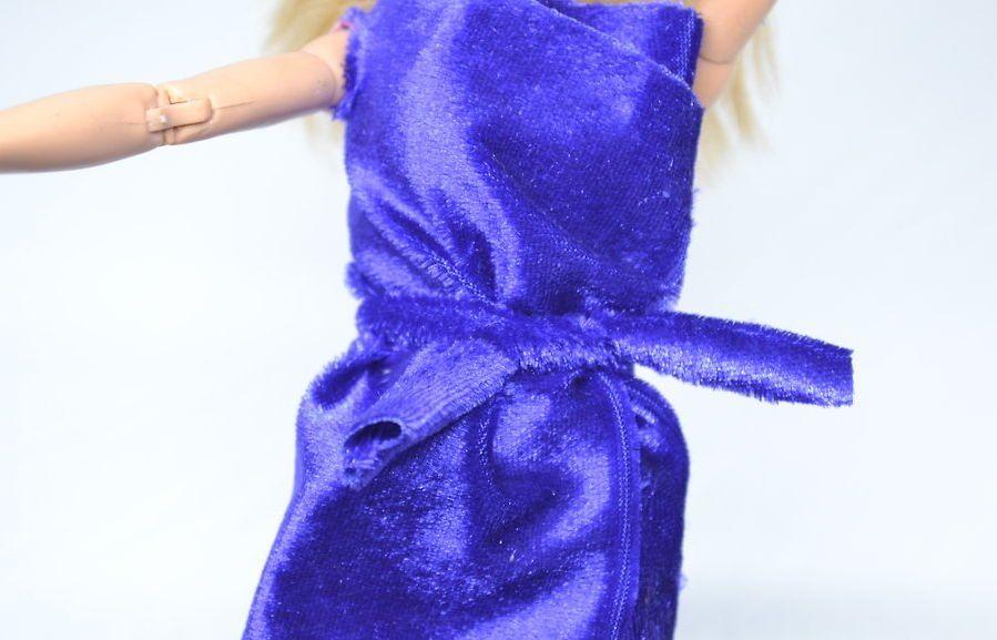 v4-900px-make-clothes-for-your-doll-step-6-version-2 Как сделать легко кукле одежду. Как сделать одежду для кукол своими руками, для Барби, для монстр Хай, для Лол