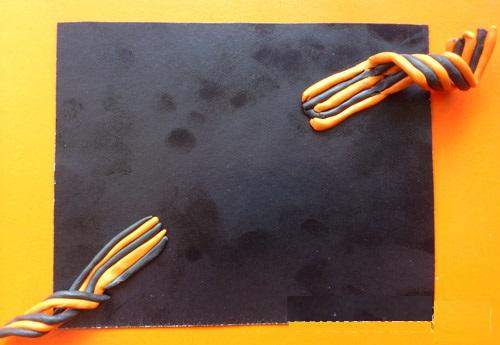 otkrytka-9maya-plast2 Аппликации из пластилина для детей, на картоне, шаблоны, жгутиками, в детский сад, в школу. Поделка аппликация из пластилина, к 8 марта, 23 февраля, 9 мая День Победы
