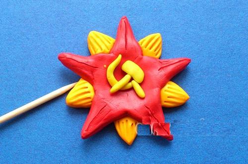 otkrytka-9maya-plast6-1 Аппликации из пластилина для детей, на картоне, шаблоны, жгутиками, в детский сад, в школу. Поделка аппликация из пластилина, к 8 марта, 23 февраля, 9 мая День Победы