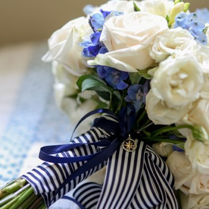 Поздравительный букет в морском стиле фото, свадебный букет